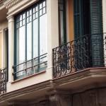 actuaciones para consolidar elementos dañados de la fachada principal
